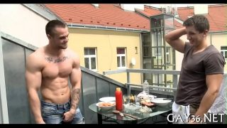 Muscle hunk receives pounded
